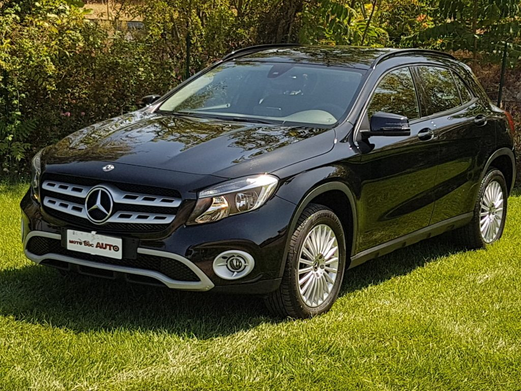 MERCEDES CLASSE GLA 200D AUTOMATIC BUSINESS