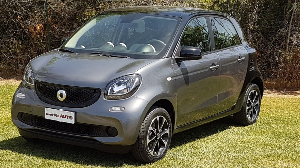 SMART FORFOUR 1.0 PASSION PANORAMIC 70cv NEOPATENTATI